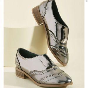 Silver Oxford Flats